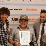 Effetto Maradona: lacrime, cori da stadio e sorrisi nei saloni di D'angelo
