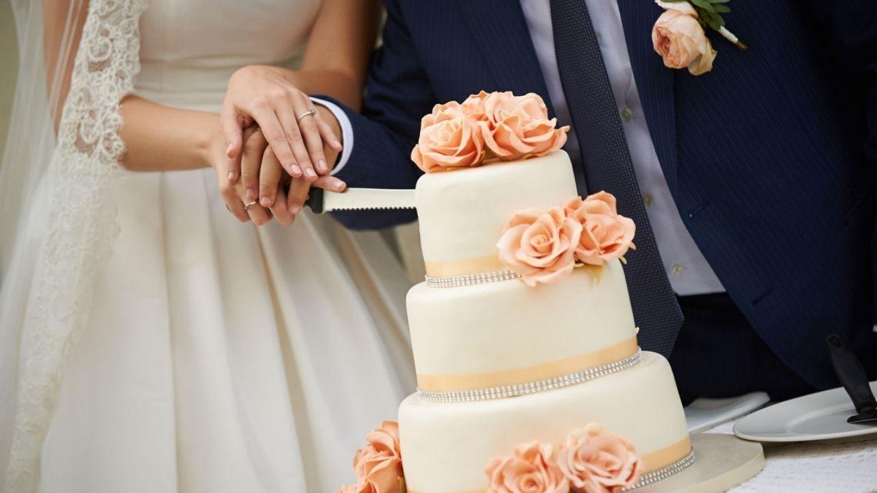 Come scegliere la torta nuziale: dolci idee e consigli
